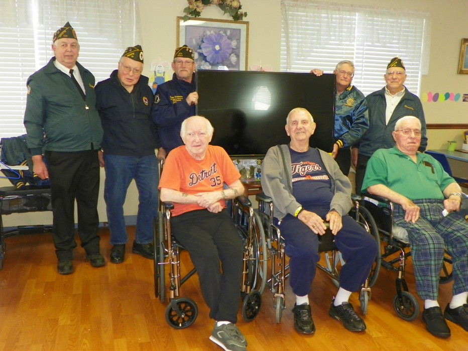 Veterans donate TV to Lakeview Extended Care | Huron County View
